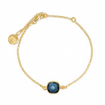 Bracelet with blue quartz in gold plated silver